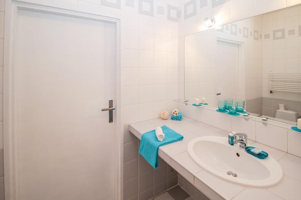 une salle de bain zen pour votre maison en bois petite maison bois. Black Bedroom Furniture Sets. Home Design Ideas