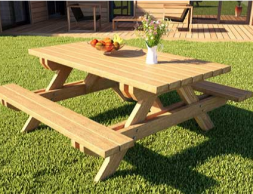 Peindre une table en bois de manière écologique