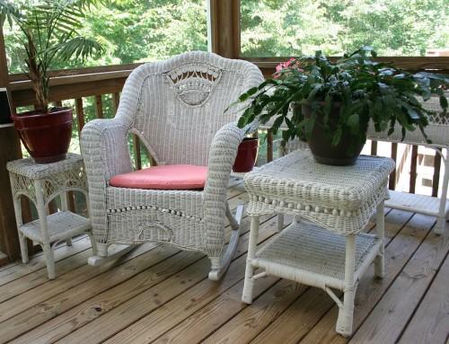 Une terrasse confortable avec Petite Maison Bois